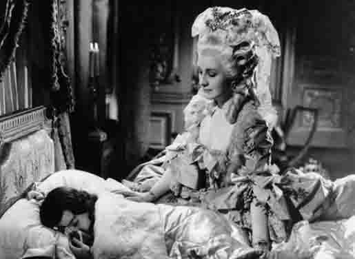 source: cinema.de Marie Antoinette played by Norma Shearer (1938)